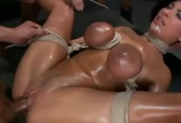 BDSM, esclava, bondage, cuerdas, gangbang